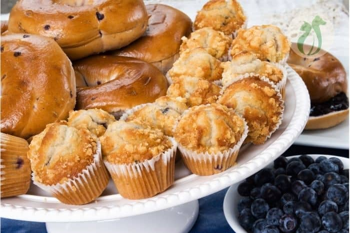 blueberry muffins and bagels